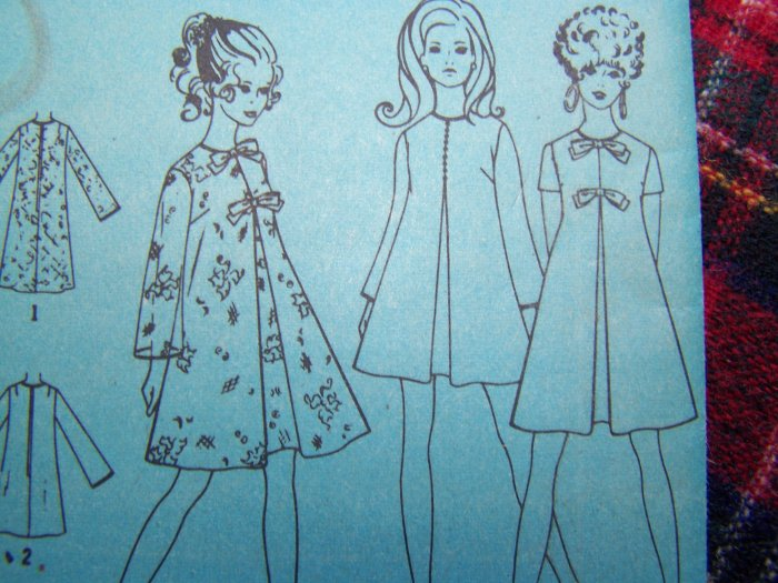 60's Vintage Sewing Pattern 7585 Tent Dress XS S Bow or Decorative BUtton Front