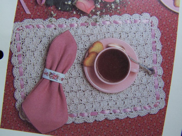 Vintage Crochet Pattern Shell Stitch Placemats Ribbon Border USA 1 Cent S&H