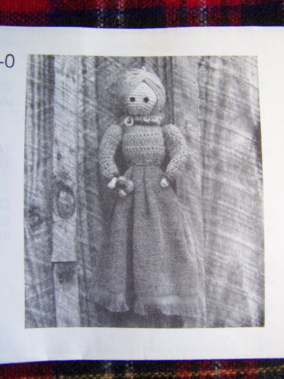 USA 1 Cent S&H Vintage 1980's Annie's Attic Crochet Pattern Tilda Towel Holder