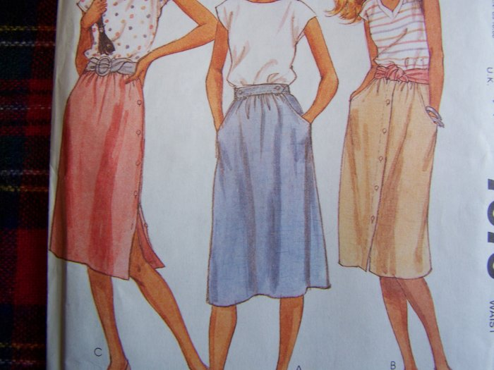 New 1980's Vintage Sewing SKirt Pattern Front or Side Button Inset Pockets 7076