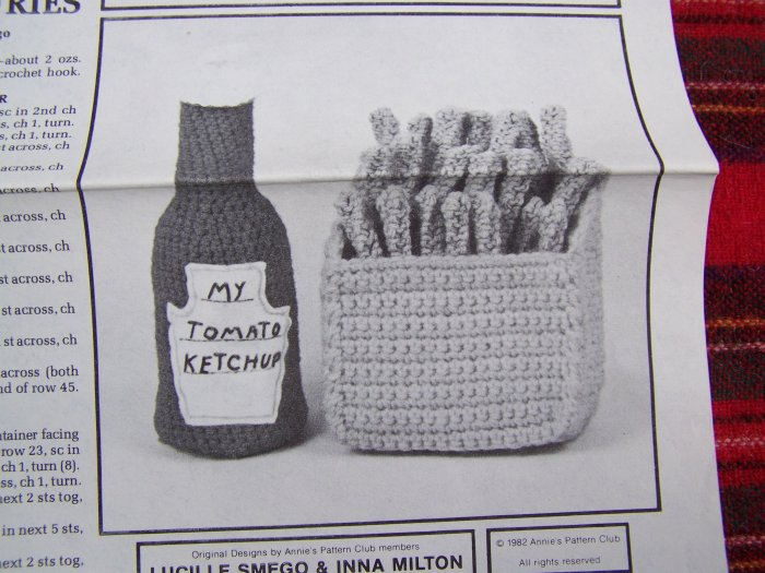 Vintage Crochet Pattern Deli Food French Fries & Ketchup Potholder Annie's