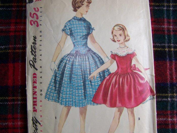 Girls Vintage Dress Sewing Pattern Sz 10 Party Frock Full Twirl Skirt 1362