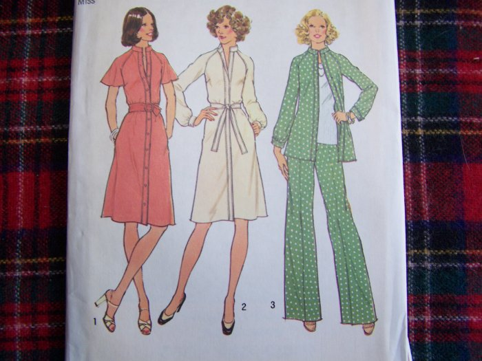 1970s Vintage Sewing Pattern 7092 Dress Flared Sleeve A Line Top Pants Sz 10
