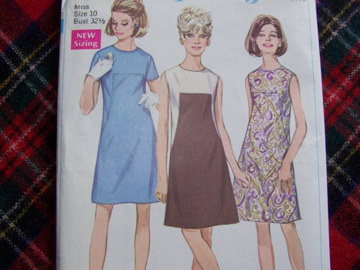 1960's Mod Vintage Sewing Pattern 7535 A LIne Dress No Collar Round Neck Sz 10
