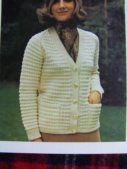 USA 1 Cent S&H Vintage Knitting Pattern Ladys Rib Knit V Neck Cardigan Sweater