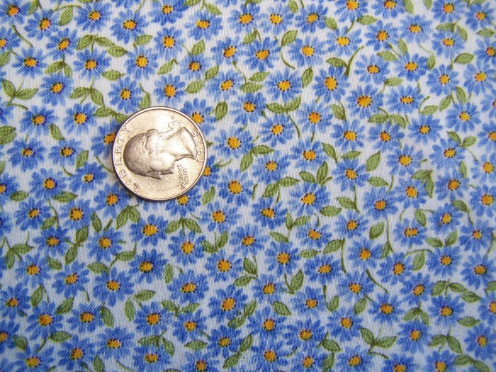 Vintage Robert Kaufman Cotton Fabric White with Blue Daisies Floral Daisy