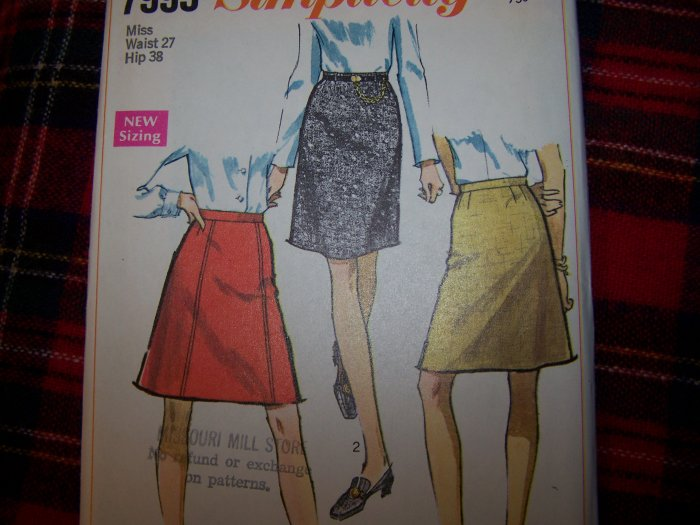 1 Cent USA S&H Vintage Misses A Line or Straight SKirt Sewing Pattern 7995