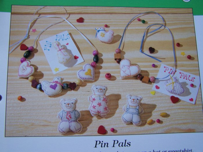 1991 Sewing Pattern Pin Pals Bears Chicks Bunnies Hearts Applique USA 50 Cent S&H