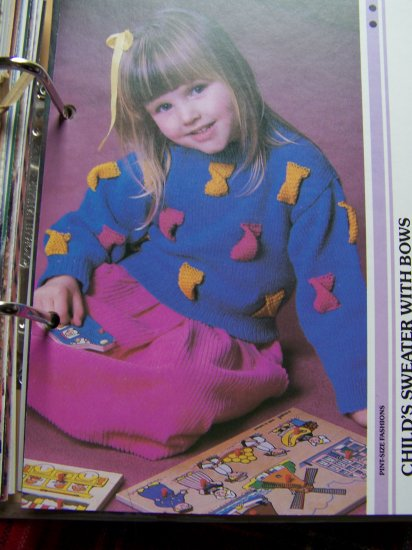 USA 1 Cent S&H Girls Vintage KNitting Pattern Pullover Sweater with Bows 3 4 5 6 7 8