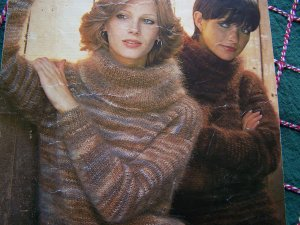 Vintage KNitting Pattern Jaeger Misses Bulky Cowl Turtleneck Long Sleeve Sweater Bust 32 - 40 # 4558