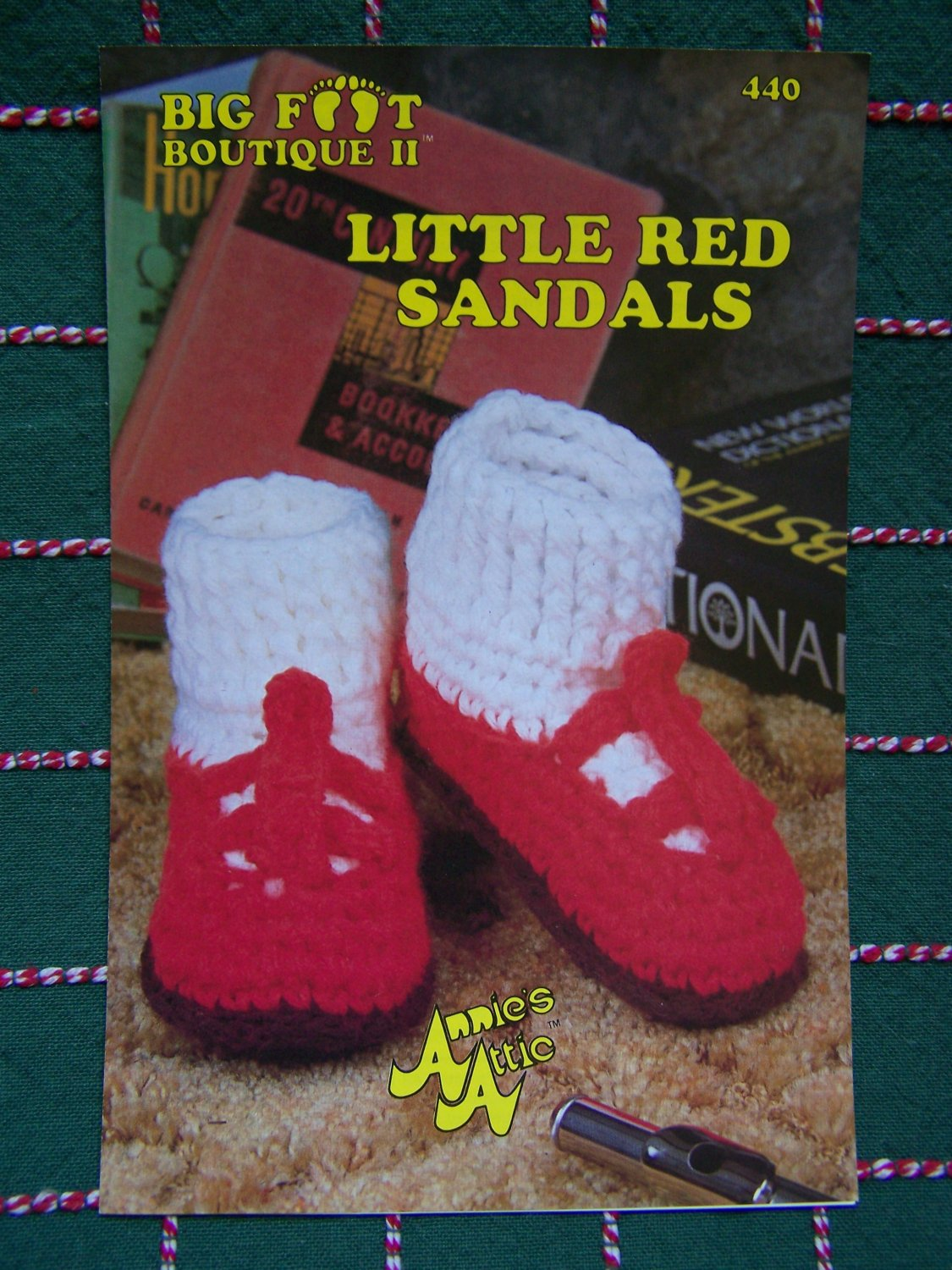 0 USA S&H Annie's Vintage Crochet Shoes Pattern Red Sandals Womens & Girls Sizes S M L 440 Big Foot