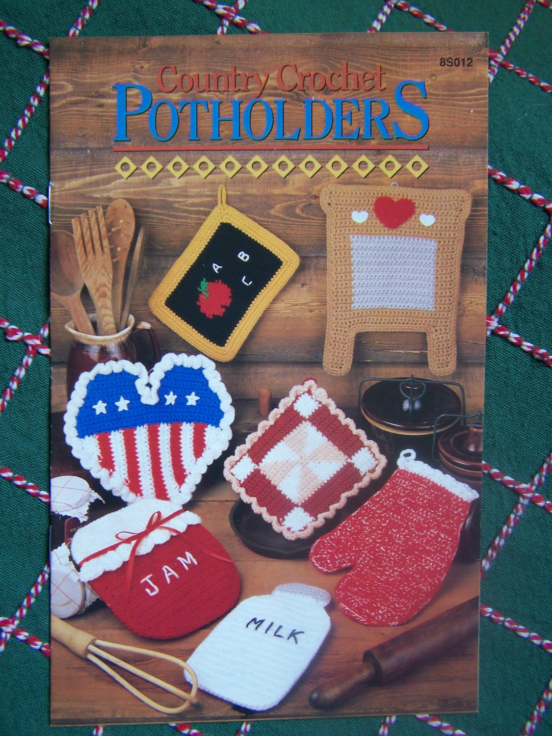 S&H 0 USA 7 Country Crocheted Potholder Patterns Annie's Crochet Shaped Pot Holders