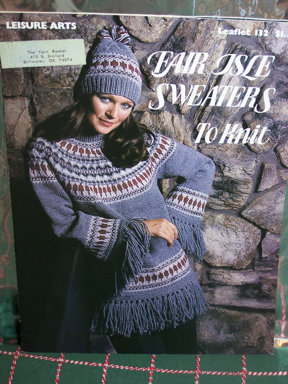 1970's Vintage Fair Isle Sweater Knitting Patterns Men Women Christmas Star Snowflake 132