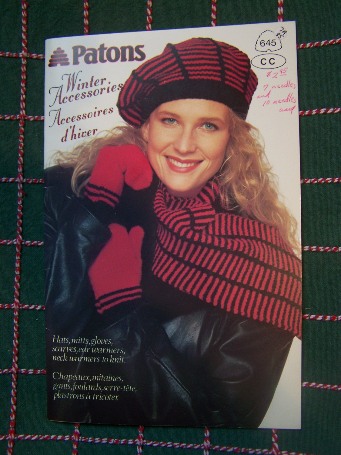 Vintage Patons Knitting Patterns Book 645 Winter Accessories Hats Floves Scarf Tam