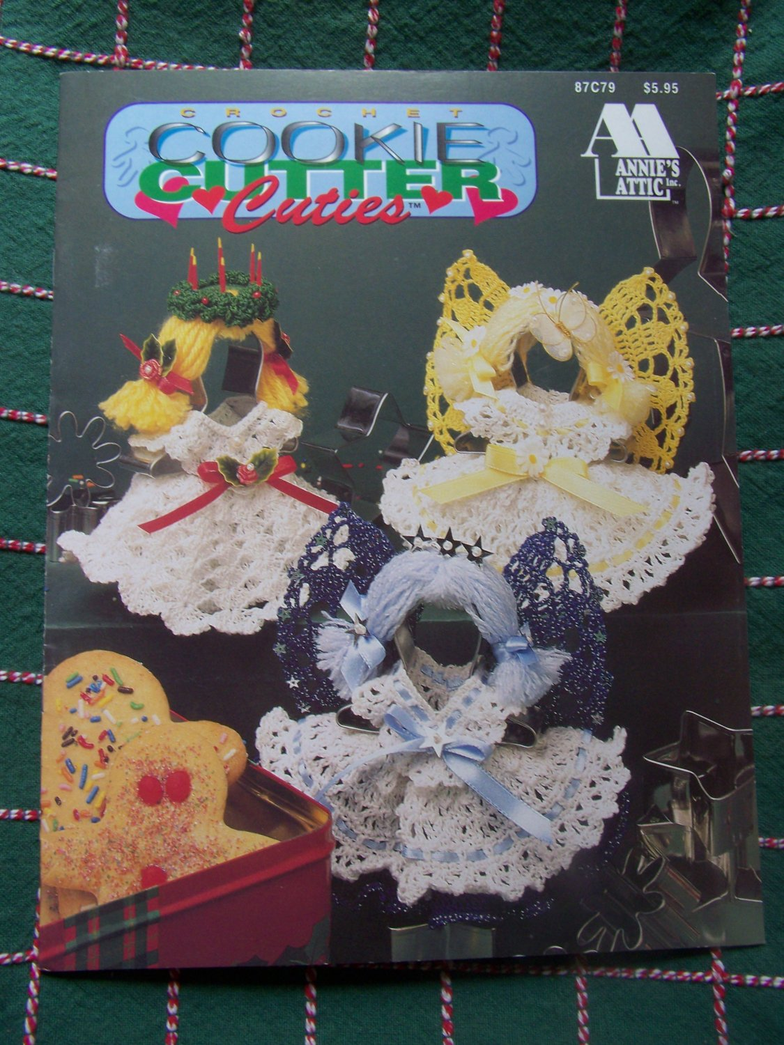 New Annie's Attic Crochet Patterns Cookie Cutter Cuties Dolls Ornaments 87C79