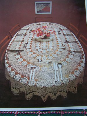 CROCHETED FREE OVAL PATTERN TABLECLOTH | Crochet and