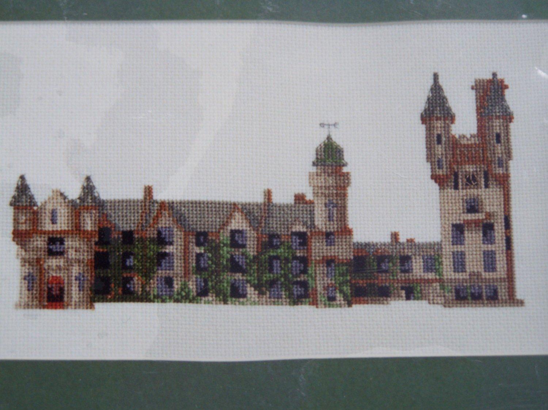 New Balmoral Castle Embroidery Kit Elizabeth Stuart Design England 9403