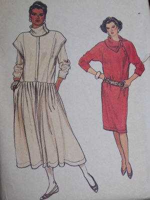 Uncut Vintage Vogue Sewing Pattern 9074 Flared Jumper & Straight Dress Long Sleeve Top
