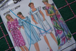 Easy Uncut Misses Patio Smock Dress Square Neck Puff Sleeves Short or Maxi Sewing Pattern 7830