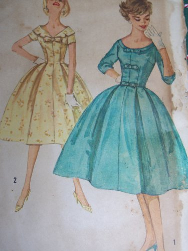 Uncut VTG Dress Full Softly Pleated Puffy Skirt Sewing Pattern 2763
