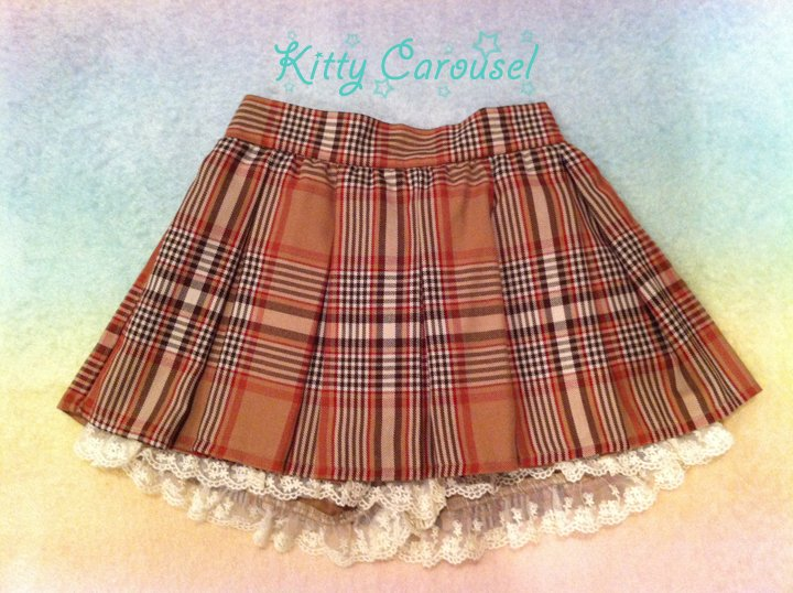 Liz Lisa plaid shorts tan