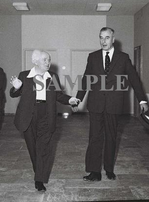 Lord Louis Mountbatten & Israel prime minister david ben gurion at his office in jerusalem photo #65