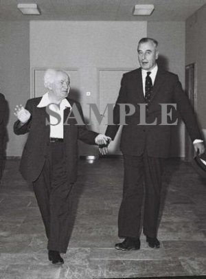 Lord Louis Mountbatten & Israel prime minister david ben gurion at his office in jerusalem photo #65