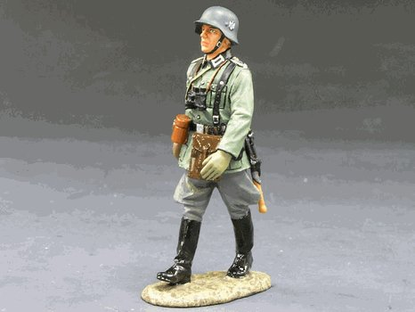 WS095-Marching German Officer