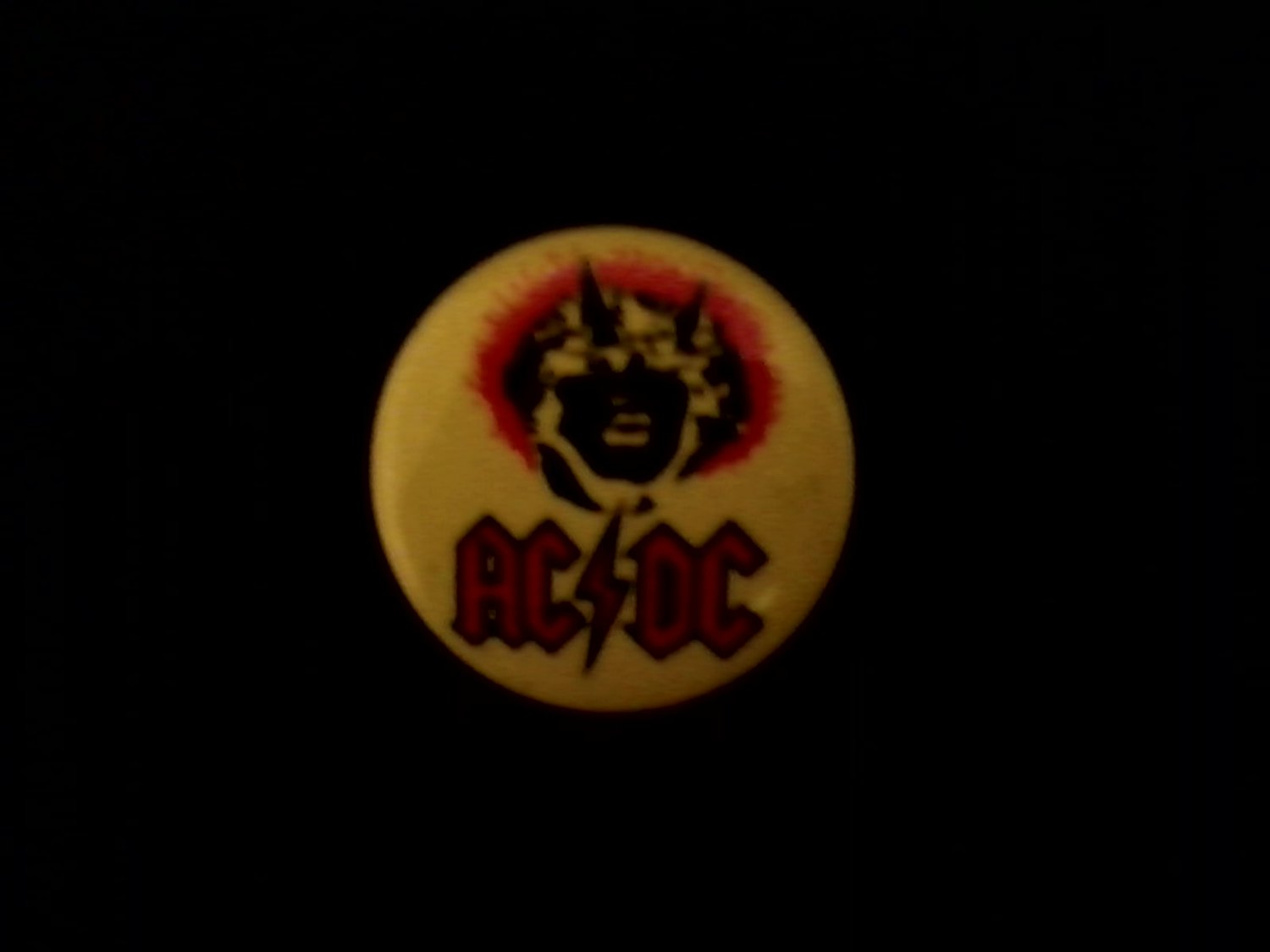 AC DC Angus Young Face New oop '88 UK Tour Pinback