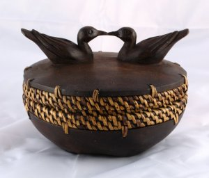 Kissing Bird Box Wood and Wicker