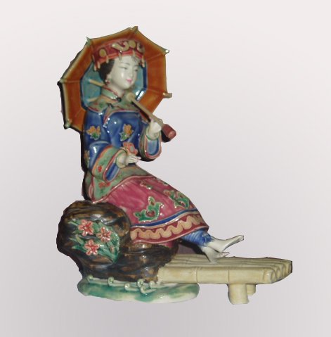 Chinese Style Lady Washing Feet Statue