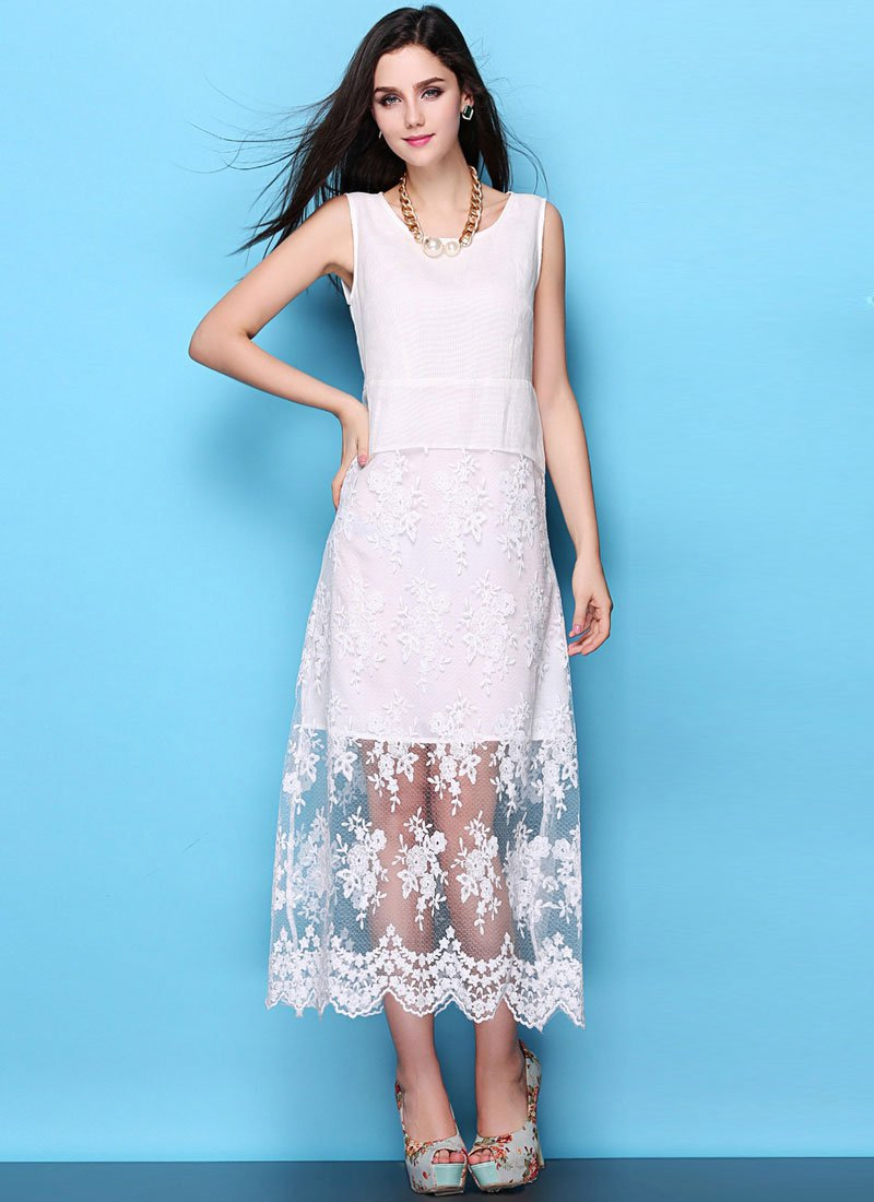 Floral Embroidered White Lace Maxi Dress with Scalloped Hem RM438