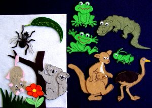 The Big Wide-Mouthed Frog 13-pc flannel felt Story