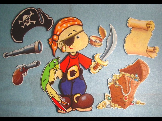 Pirate Gets Dressed 12-pc Flannel Felt Set