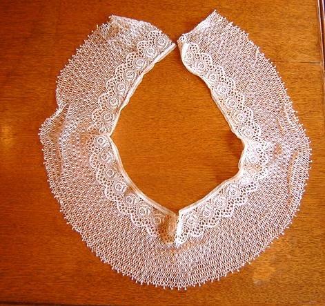 Exqusite LARGE Silk Bobbin Lace Bertha - Victorian Collar