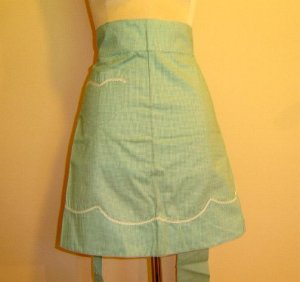 1950' Green GINGHAM CHEK with Rick Rack - Vintage Apron