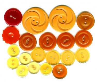 Bakelite Button Lot Vintage Coat Carved Flower Caramel Butterscotch Red Orange Apple Juice