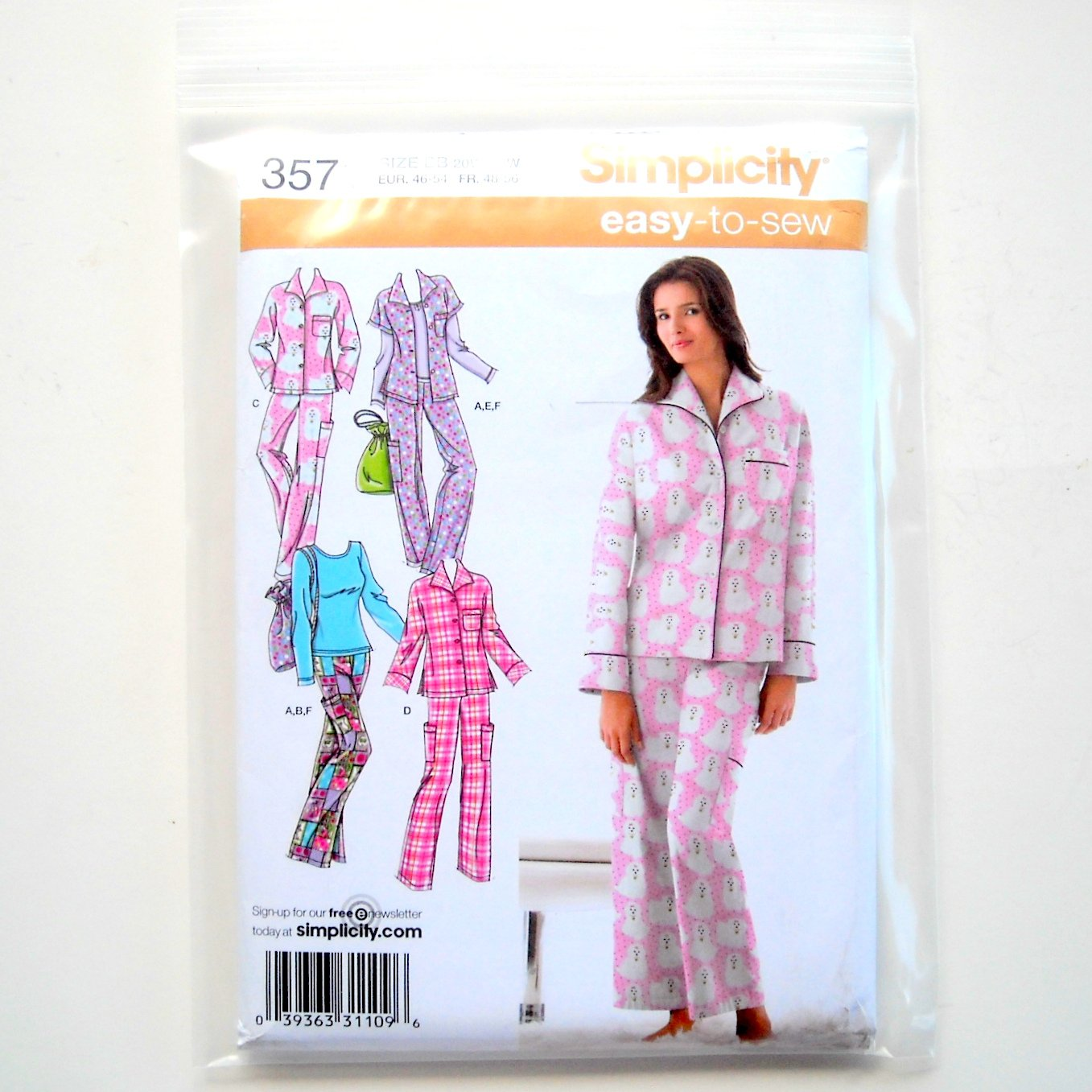 Misses Plus Size Pajamas Pajama Bag 20W - 28W Simplicity Sewing Pattern 3571