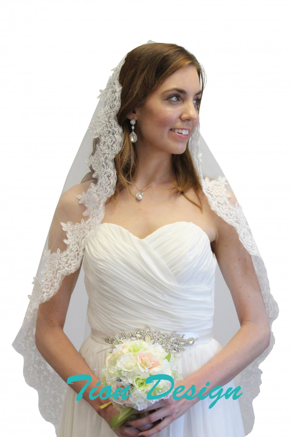 "Ivory Alencon Lace One Tier 45"" Bridal Veil #80272-IVY"