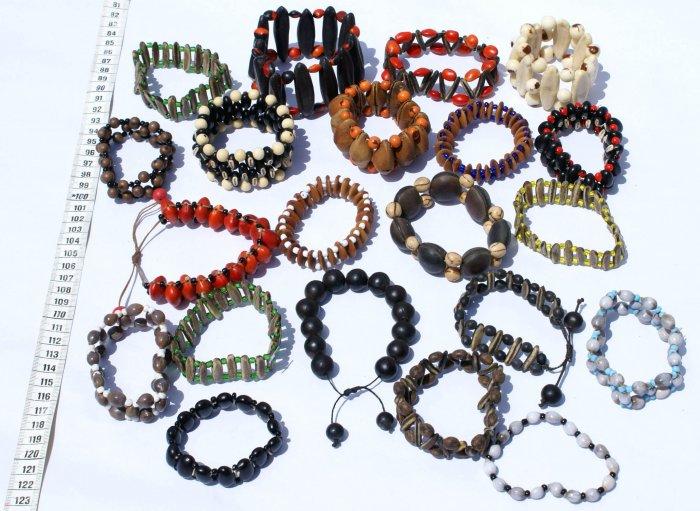 Lot 10 Seed Bracelets