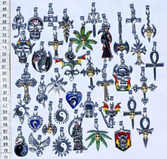 Lot 25 Metal Pendants