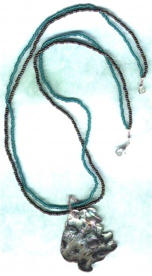 Green & Bronze Paua Shell Pendant Beaded Necklace - PreciousThings.ecrater.com