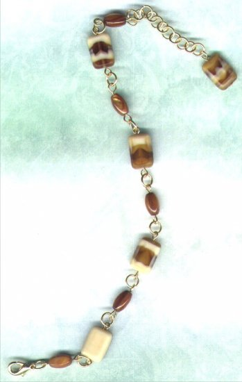 "Mother-of-Pearl and Glass Beaded Link Bracelet ""Toffee Fudge"" - PreciousThings.ecrater.com"
