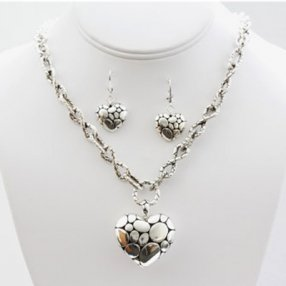JH01 Designer heart  pendant necklace earring set