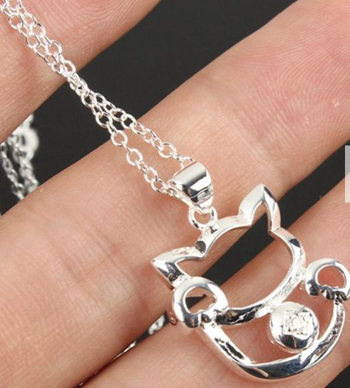 silver plated cat pendant necklace