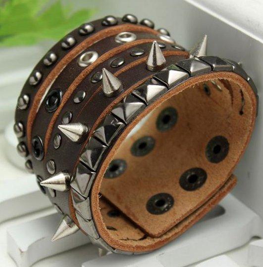 rivets punk bracelet brown