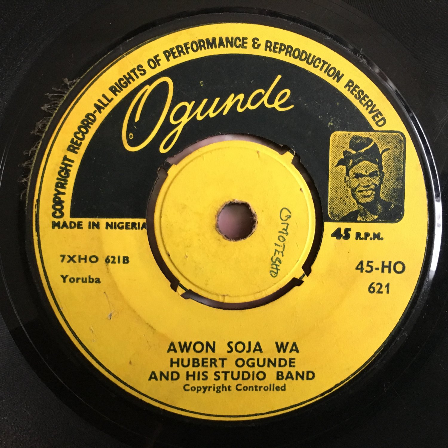 HUBERT OGUNDE & HIS STUDIO BAND 45 awon soja wa - keep Nigeria one NIGERIA HIGHLIFE mp3 LISTEN