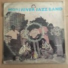 MORI RIVER JAZZ BAND LP same KENYA BENGA mp3 LISTEN