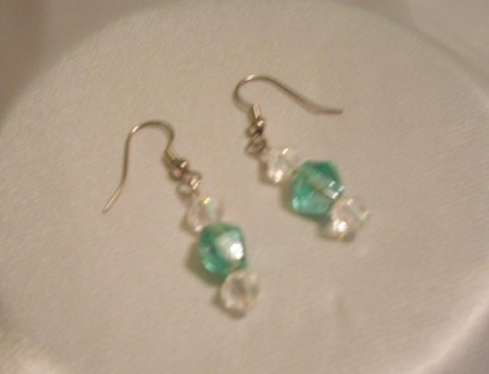 LIGHT GREEN & CRYSTAL EARRINGS
