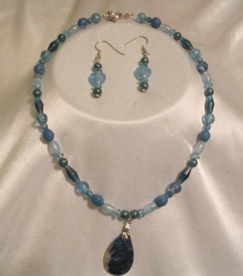 BLUE NECKLACE & EARRINGS